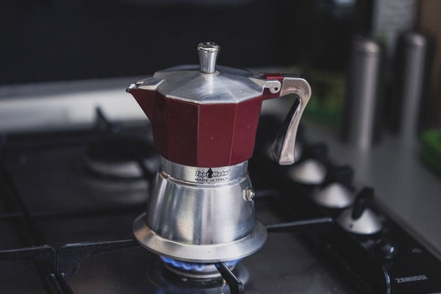 Kawiarka wymaga od nas odrobiny doświadczenia podczas parzenia kawy.