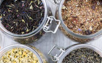herbaty kwiatowe należy przechowywać w szczelnych pojemnikach