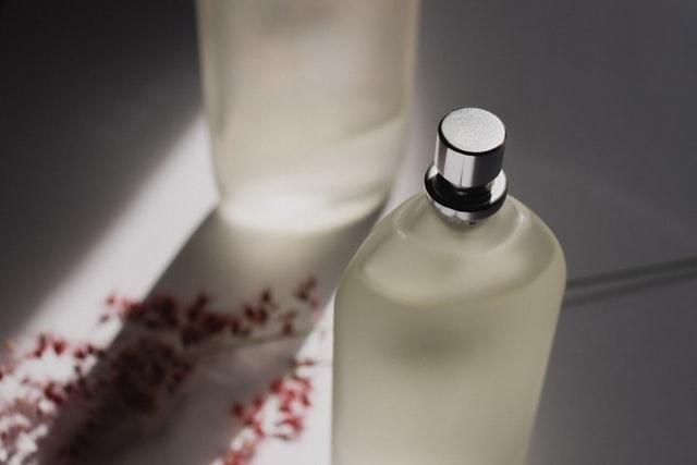 Mgiełka do ciała to idealny zamiennik perfum.