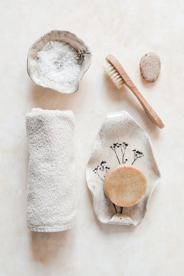 Kosmetyki naturalne i organiczne wpisują się w klimat zero waste.