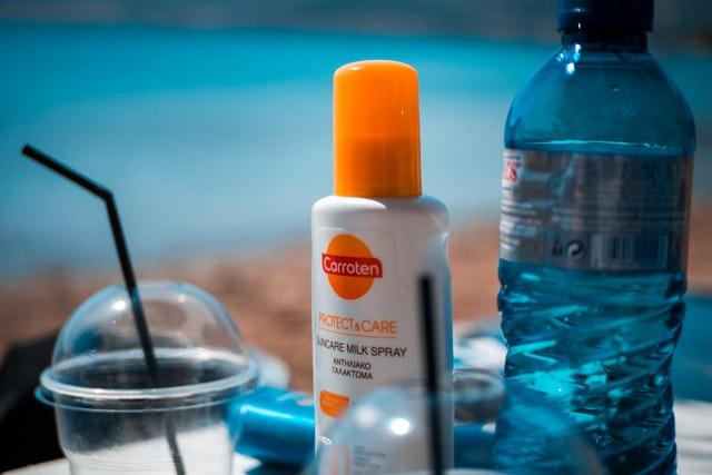 Czym jest SPF i jak chroni twoją skórę?