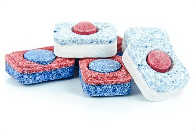 Chcesz zrobić własne ekologiczne tabletki do zmywarki? Oto prosty przepis, którego używają tysiące osób – są niezawodne, tanie i świetnie czyszczą naczynia!
