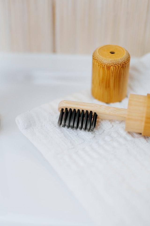 Bambusowa szczoteczka do zębów to hit zero waste.
